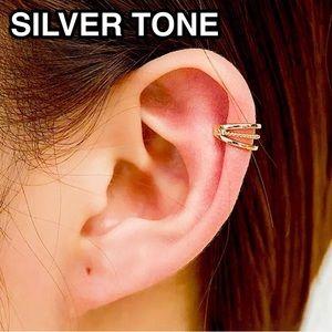 ⚜️[𝟯/$𝟮𝟴]⚜️3 Layered Silver Cuff Earring NEW
